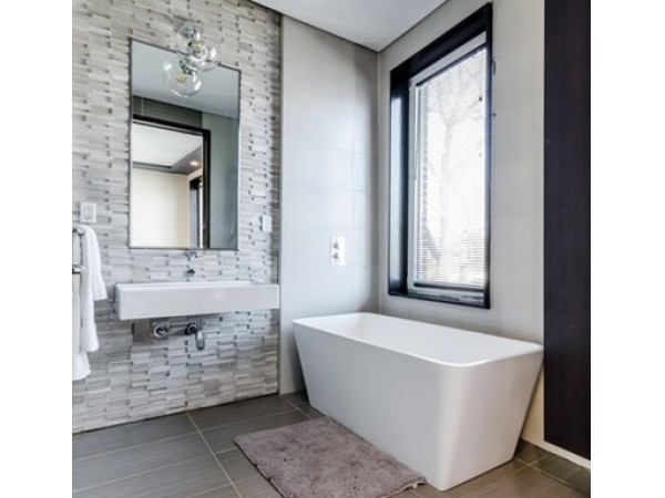 Toilets, Tubs, and Towel Rails: 10 Tips for Designing Your New Bathroom